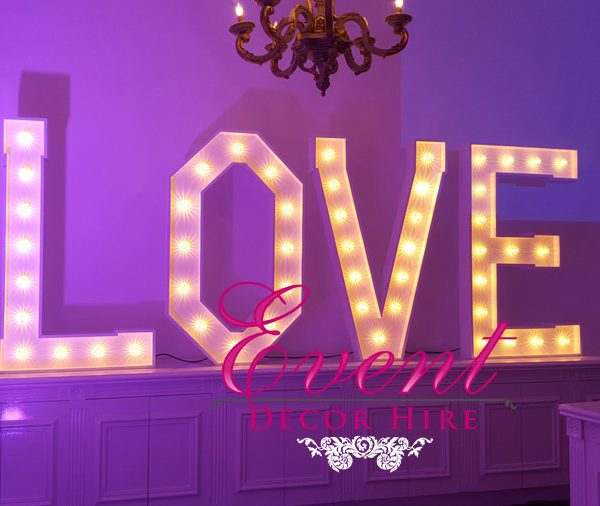 love sign hire