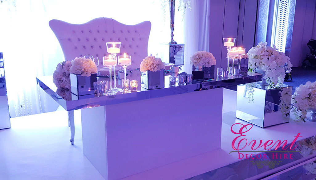Silver rim table sweetheart table