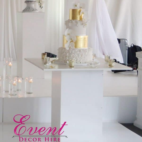 white cake table