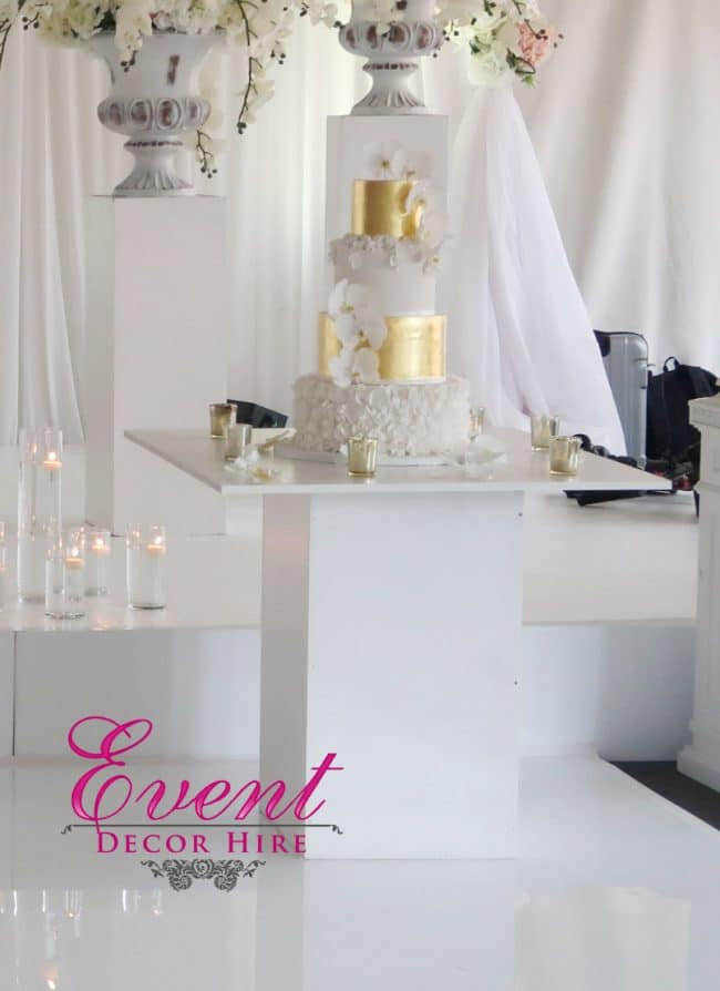 white cake table
