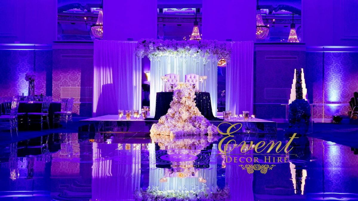 mirror dancefloor wedding flowers