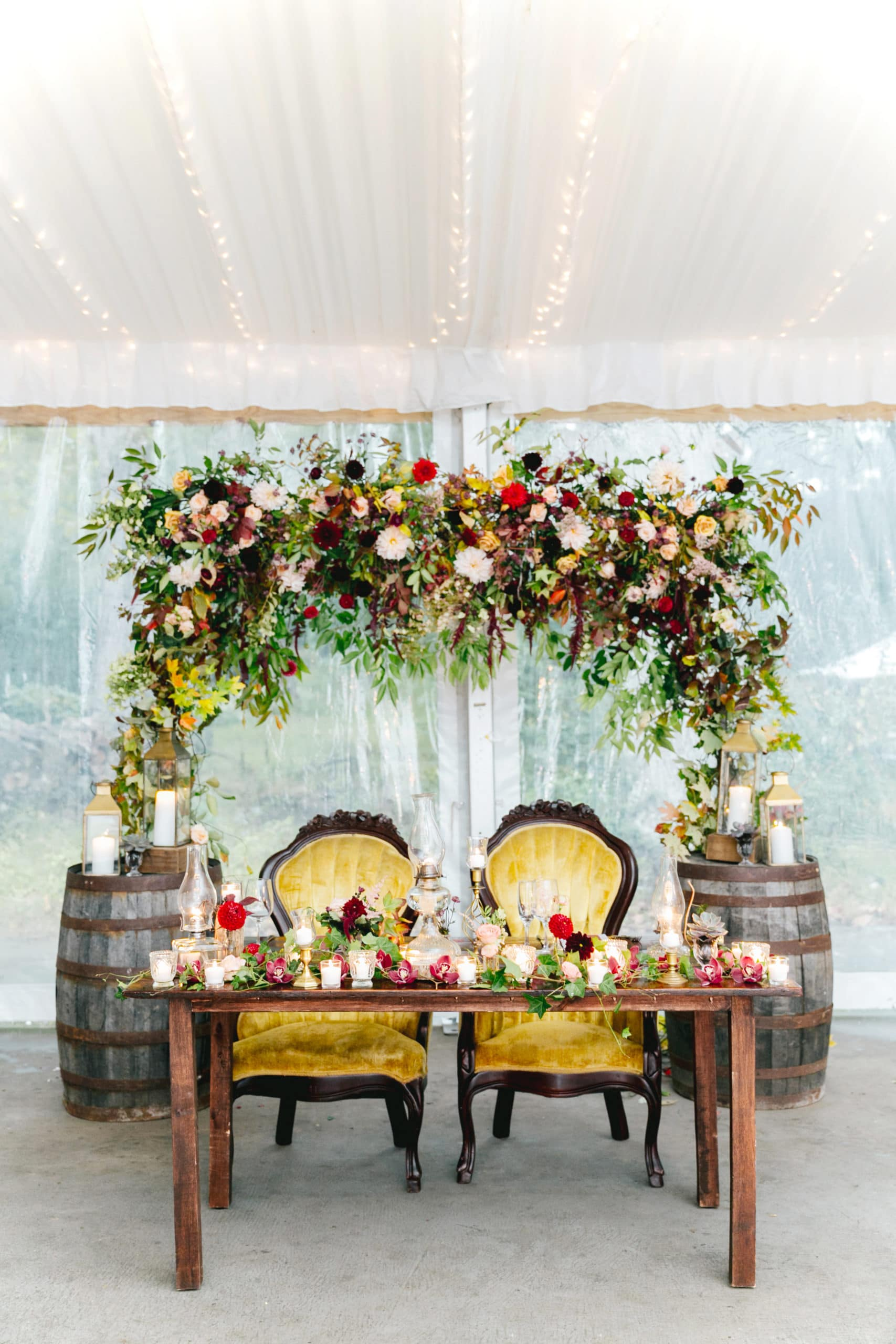 arch sweet heart table