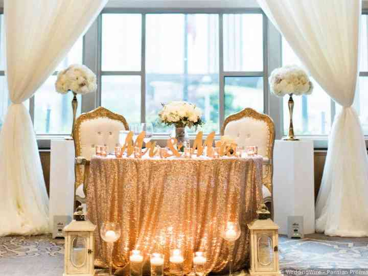 simple sequin sweetheart table