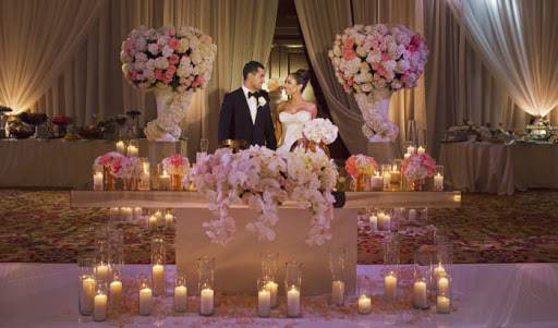 wedding design sweetheart table
