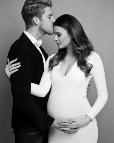 black and white pregnancy shoot