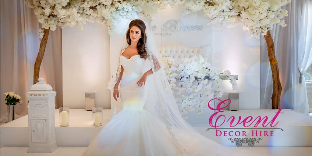 luxury white wedding decor